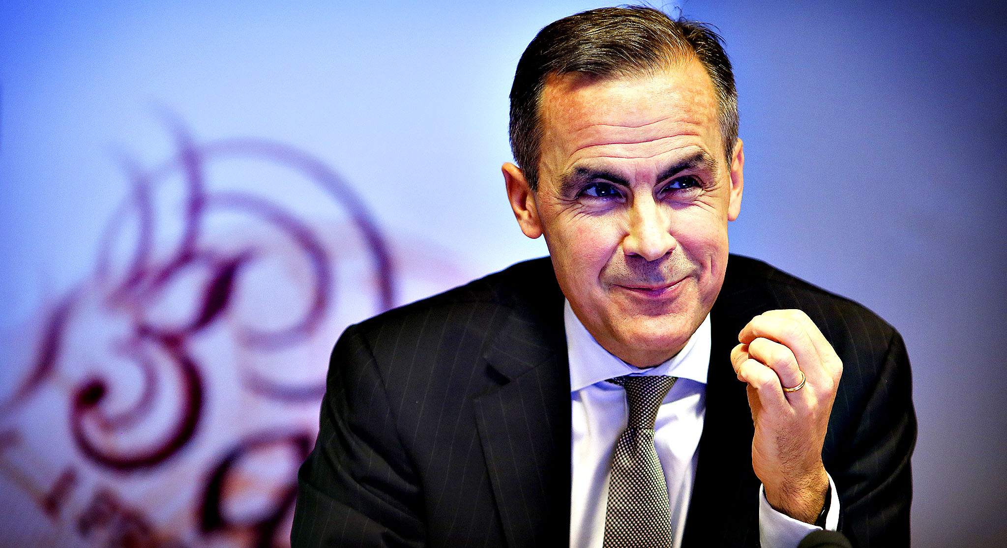 Sterling Weakens Following BoE Governor Mark Carney's Comments